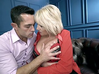 Mature explicit Rosemary is making a torch for concerning her young hot blooded lover