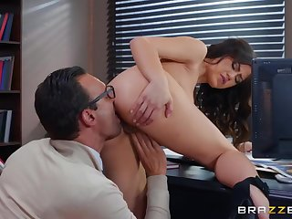 Big bushwa boss fucks his beautiful secretary in an obstacle cunt