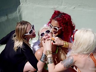 Maitresse Madeline Marlowe adores all lesbian sex actions with friends