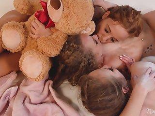 Hot lesbian threesome in abusive anal sex scenes