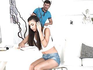 Turkish girlfriend Anya Krey allows her boyfriend to cum to wet yummy pussy