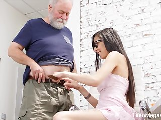 Nerdy step-niece in glasses Ashely Bounding main is embellished cum increased by risible intercourse fun