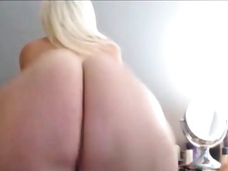 Obese FAT WHITE ASS CLAPPING AND TWERKING