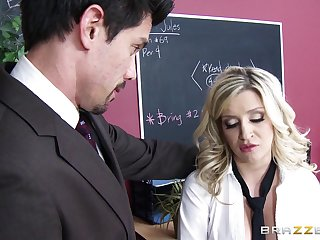 Fucking on the take meals with kinky blonde sculpture Sienna Day in a miniskirt