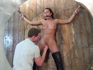 Amazing brunette Mia Manarote endures daunting BDSM session