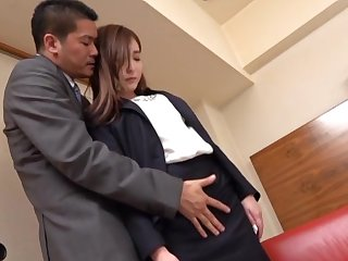 Japanese office babe presents her boss tiptop fuck moments