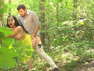 Quickie fucking in a difficulty forest leads around kitchenette sex - Sophia Laure
