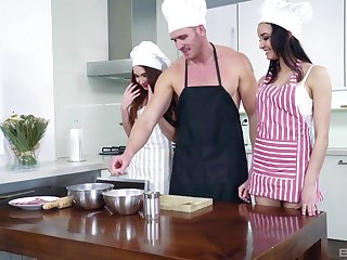 Meal prep results in scullery threesome with Francys Belle plus Zoe Cooky